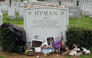 Joey_Ramone_Headstone
